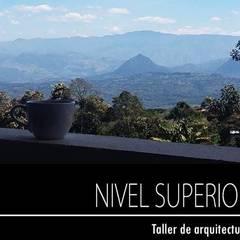 PROYECTO TAMESIS - ANTIOQUIA.: Terrazas de estilo  por NIVEL SUPERIOR taller de arquitectura , Rural