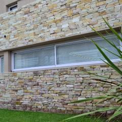 Detalle exterior ventana : Ventanas de estilo  por epb arquitectura