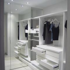 Vestidor: Vestidores de estilo  de AG arquitectura Gorris