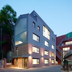 German School Seoul (DSSI): ZABEL&PARTNER의  학교,모던