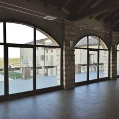 Windows  by Falegnameria Idra,