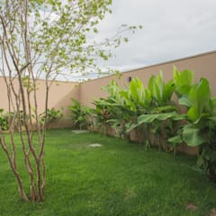 حیاط by Biloba Arquitetura e Paisagismo