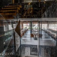 Little Italy Pune Minimalist corridor, hallway & stairs by Aijaz Hakim Architect [AHA] Minimalist