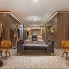 Lounge Atendimento: Shopping Centers  por Piloni Arquitetura