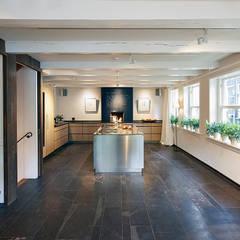 Herengracht bel-étage:  Keuken door Architectenbureau Vroom