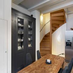 Bergstraat:  Keuken door Architectenbureau Vroom