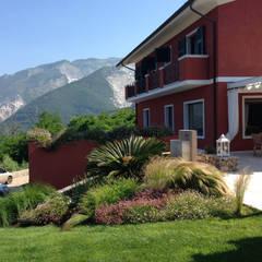 Residenza privata 2013 (MS) Italy: Giardino in stile  di GA-DeSIGN | gep studio di g. venuta & c. s.a.s.