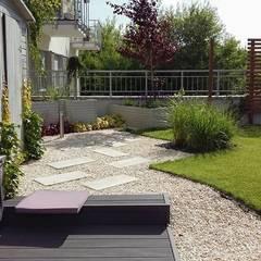 ogrody warszawa: styl , w kategorii Ogród zaprojektowany przez Ogrodowa Sceneria