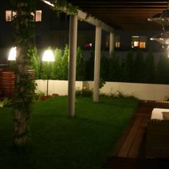 aranzacja tarasu: styl , w kategorii Dach płaski zaprojektowany przez Ogrodowa Sceneria