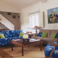 اتاق نشیمن توسطStoc Casa Interiores