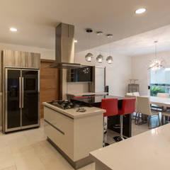 Kitchen by Grupo Arsciniest, Modern Granite