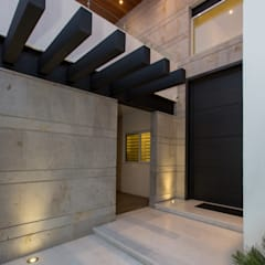 Houses by Grupo Arsciniest, Modern Metal