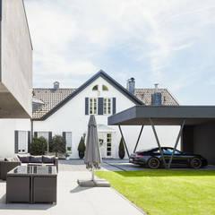 Haus H:  Garage & Schuppen von ZHAC / Zweering Helmus Architektur+Consulting
