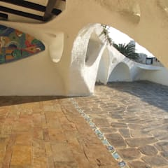 Slate and stone floor: mediterranean Garden by The White Room