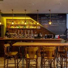 PUB Bares e clubes clássicos por Piloni Arquitetura Clássico