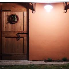 Porte anticate: Finestre in stile  di Contesini Studio & Bottega