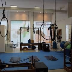 Studio de Pilates Concessionárias modernas por Ana Paula Diniz _ Arquitetura, Interiores e Urbanismo Moderno