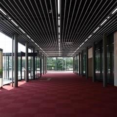 出雲市民会館増築/改修: 牧戸建築環境設計事務所が手掛けた会議・展示施設です。