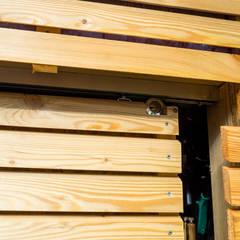 Porte coulissante: Fenêtres de style  par Kalpana Solutions