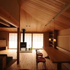 غرفة المعيشة تنفيذ 加藤武志建築設計室