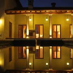 Vivienda en Algodon Wine Estates - Lote E11: Piletas de estilo  por Azcona Vega Arquitectos