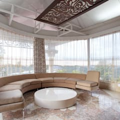 Residential Interior for Mrs. Banalari:  Media room by Purple Architecture