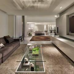salas em branco e cinza: Salas de estar  por Escritório de Design Edwiges Cavalieri