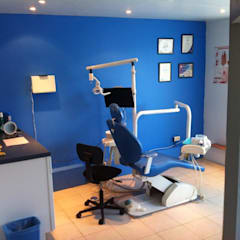 Clínica Orthodent: Estudios y oficinas de estilo  por Estudio Ideas