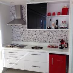 Кухня by PILOTTIZ ARQUITETURA E DESIGN