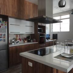 Cozinhas rústicas por homify Rústico