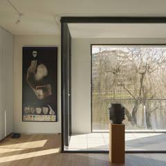 slaapkamer:  Slaapkamer door Tim Versteegh Architect