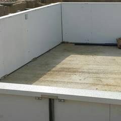 Bishop wood:  Pool by Aqua Platinum Projects