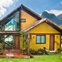 منازل تنفيذ Carlos Eduardo de Lacerda Arquitetura e Planejamento , بلدي