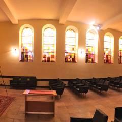 Kaplica pogrzebowa w Nysie: styl , w kategorii Muzea zaprojektowany przez architekt SZYMON PLESZCZAK - ARCHI PL PRACOWNIA ARCHITEKTURY I WNĘTRZ
