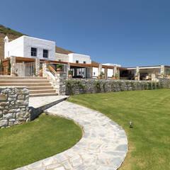 Vila Seacrest: Casas  por Arquiteto Carlos Eduardo de Lacerda - Arquitetura e Planejamento