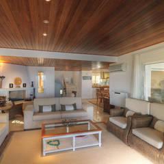 Vila Seacrest - Ilha de Paros - Ciclades - Grécia Salas de estar mediterrâneas por Carlos Eduardo de Lacerda Arquitetura e Planejamento Mediterrâneo