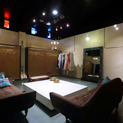 Commercial - Dadar:  Commercial Spaces by Nitido Interior design