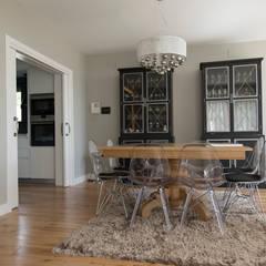 Comedor: Comedores de estilo moderno de MODULAR HOME