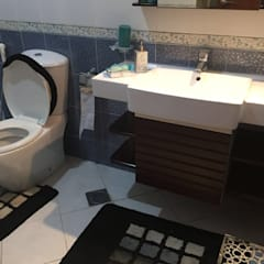 Villa Interiors Muscat:  Bathroom by KamalKavitaInteriors