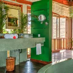 Badezimmer:  Badezimmer von Buseck Architekten
