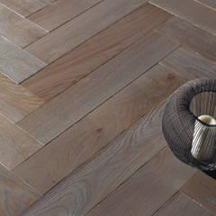 bàton rompu: Paredes de estilo  de Rochene Floors