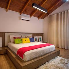 Cabral Arquitetura Ltda.:  tarz Yatak Odası