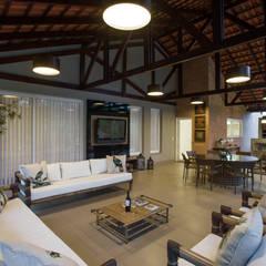 بلكونة أو شرفة تنفيذ Cabral Arquitetura Ltda.