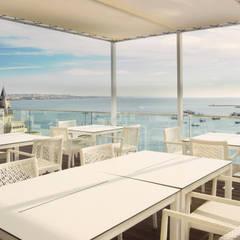Esplanada Blue Bar: Hotéis  por Pedro Brás - Fotografia de Interiores e Arquitectura | Hotelaria | Imobiliárias | Comercial