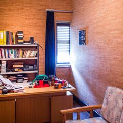 Escritório: Escritórios e Espaços de trabalho  por Pedro Brás - Fotografia de Interiores e Arquitectura | Hotelaria | Imobiliárias | Comercial