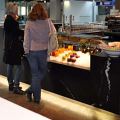 Restaurante San Pino: Aeropuertos de estilo  de Alcantara Stone Corporation