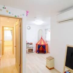 フランスの田舎風しっくいの家: 遊友建築工房が手掛けた子供部屋です。