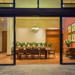 Paz y tranquilidad en el campo: Comedores de estilo  por DLPS Arquitectos
