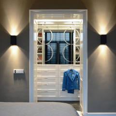 Amsterdam Oud Zuid:  Slaapkamer door Ecker Keukens en Interieur
