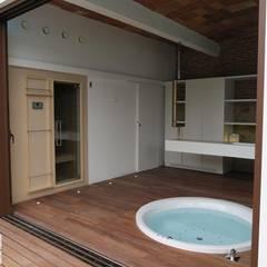 Pals, Carrer Samària 34: Spa de estilo  de TONO BAGNO   Pasión por tu baño